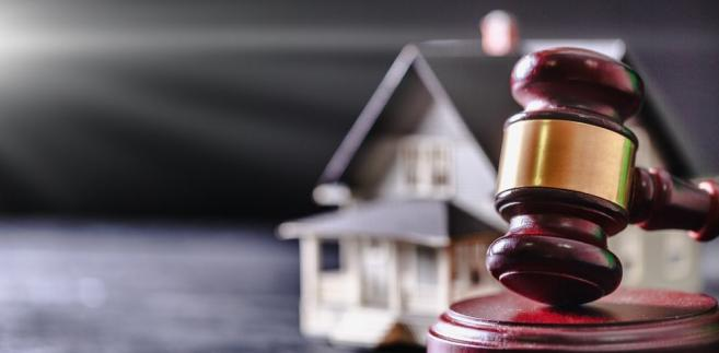 SN, rozpoznając skargę spadkobierców, uchylił wyrok apelacyjny i nakazał ponowne rozpatrzenie sprawy.