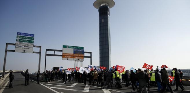 Protestujący pracownicy Air France