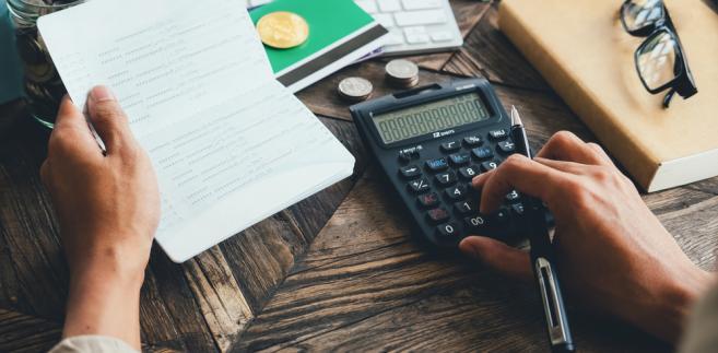 """""""Warto się zastanowić, czy te rozwiązania dały oczekiwany skutek (...). Trzeba szukać złotego środka pomiędzy fiskalizmem, a wspieraniem małych i średnich przedsiębiorców, którzy rozliczają się podatkiem CIT"""" – powiedział Gajewski."""