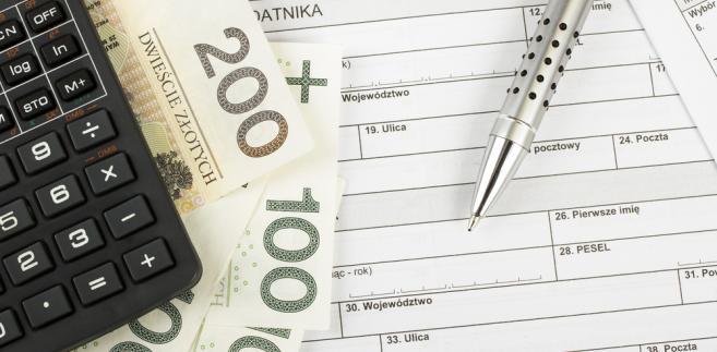 W zeznaniu przygotowanym przez KAS podatnicy będą mogli wskazać lub zaktualizować numer rachunku osobistego zgłoszony w urzędzie skarbowym do zwrotu nadpłaty. Zeznania podatkowe będą dostępne od 15 lutego roku następującego po roku podatkowym do 30 kwietnia.