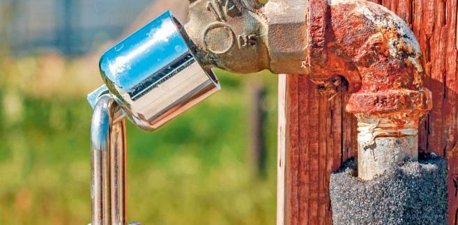 Już wkrótce jednak część informacji o kształtujących się w Polsce taryfach ma zostać przekazanych do Ministerstwa Żeglugi Śródlądowej i Gospodarki Morskiej. Kierujący resortem Marek Gróbarczyk podkreślał, że zbiorcze informacje o cenach wody będą cennym źródłem informacji dla rządzących, którzy właśnie pracują nad kolejną – trzecią już – nowelizacją prawa wodnego.