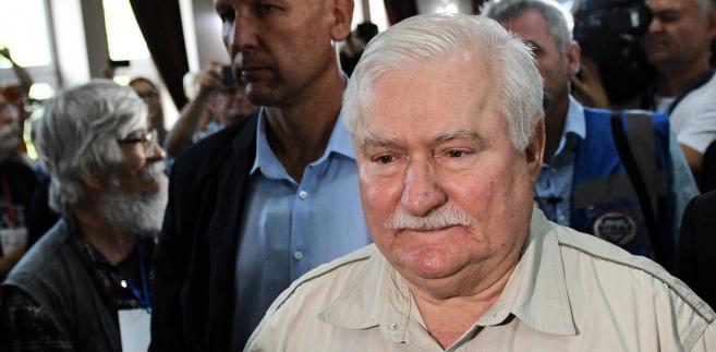 """Wałęsa zastanawiał się również, czy obecnie rządzący, """"to są zdrajcy ojczyzny, czy głupcy ojczyzny, bo inaczej nie można tego zrozumieć."""
