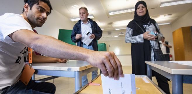 Zgodnie z nieoficjalnymi wynikami, niedzielne wybory wygrała rządząca Szwecją Partia Robotnicza-Socjaldemokraci