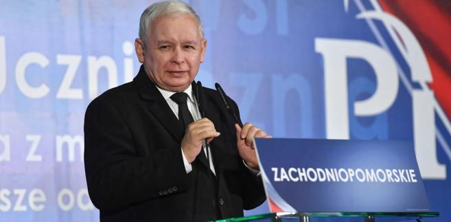 Wałęsa neguje autentyczność dokumentów znalezionych przez IPN u wdowy po Kiszczaku.