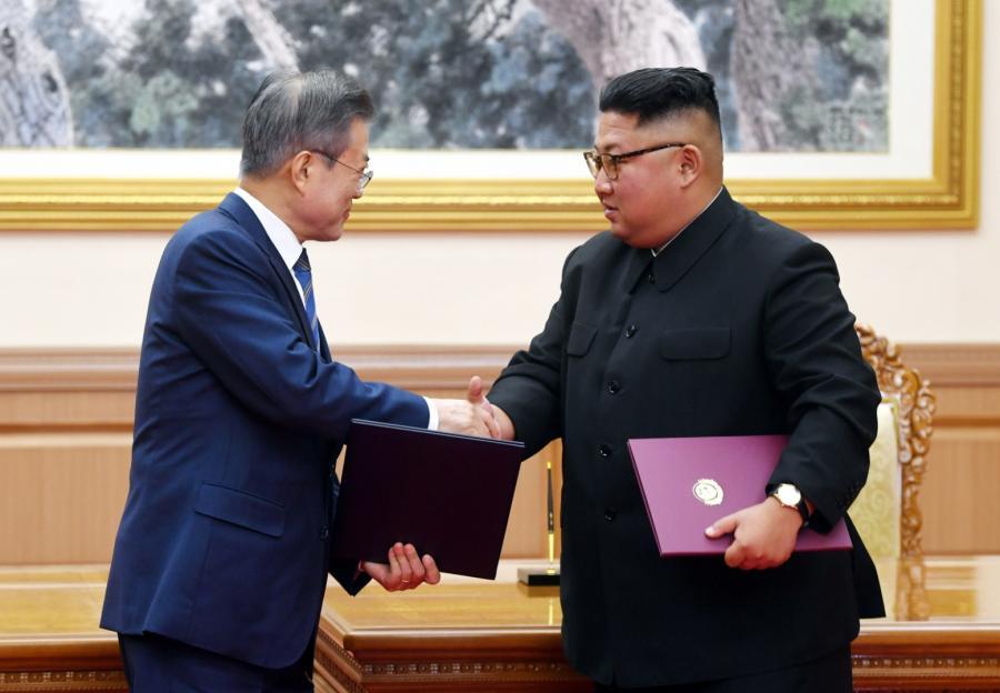 Mun Dze In i Kim Dzong Un podczas trzeciego szczytu koreańskiego
