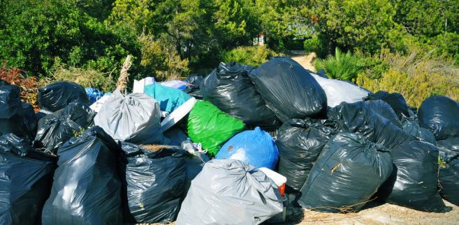 Minister argumentował, że ten zapis znalazł się w projekcie, by głównie zabezpieczyć się przed porzucaniem odpadów.