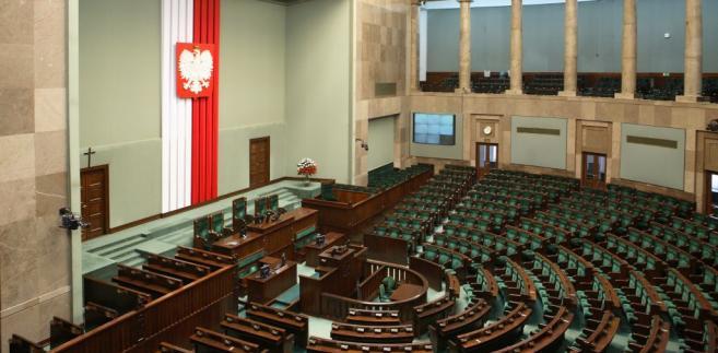 Projekt ustawy budżetowej na 2013 rok, projekt nowelizacji ustawy o VAT oraz zmiany w regulaminie Sejmu - tymi sprawami zajmą się posłowie na rozpoczynającym się we wtorek dwudniowym posiedzeniu izby.Fot. bpr.sejm.gov.pl/Krzysztof Białoskórski