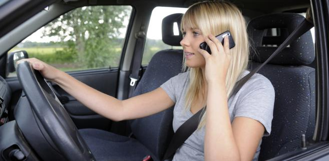 Wyższe kary będzie też można nakładać za niszczenie dróg. Wysokość mandatu dla kierowców przeładowanych aut ma wzrosnąć z 350 do 500 zł.