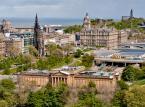2. Edynburg – stolica Szkocji, miasto uniwersyteckie. Obecnie działają tam 4 uniwersytety. Najlepiej zwiedzać Edynburg w sierpniu i wrześniu, kiedy to w mieście odbywają się najróżniejszego rodzaju festiwale.