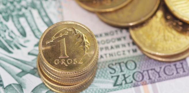 Decyzja agencji ratingowej Fitch, która podwyższyła dzisiaj perspektywę ratingu do pozytywnej wyraźnie wsparła po południu notowania złotego.
